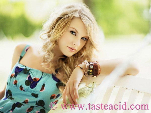 download-taylor-swift-2011